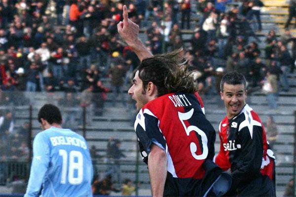 Cagliari-Napoli 2-1: l'esultanza di Conti al gol vittoria
