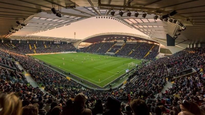 Serie A- Finale incandescente, l'Udinese batte il Cagliari 2-1